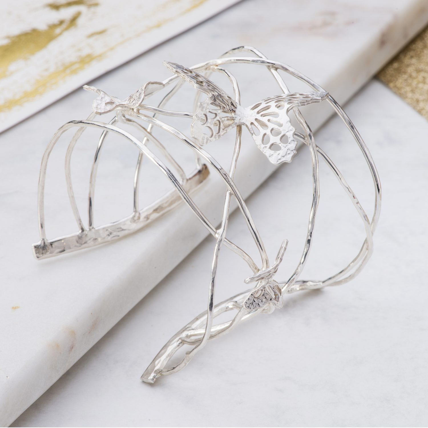 Butterfly cuff with twisted wires in silver