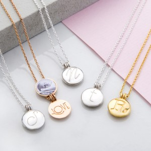 Mini Lockets great for wedding gift ideas.